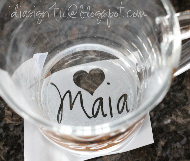 DIY Personalized Glass Etched Mugs by ilovedoingallthingscrafty.com