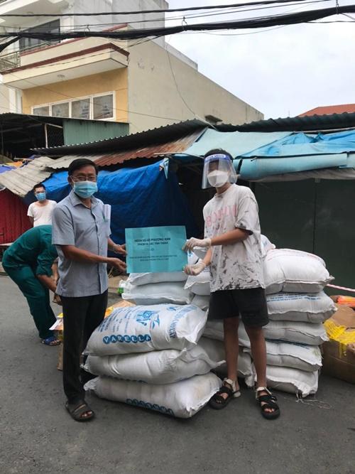 Dòng họ Vũ - Võ phương Nam, Tp.HCM quyên góp giúp bà con nghèo trong đại dịch Covid 19