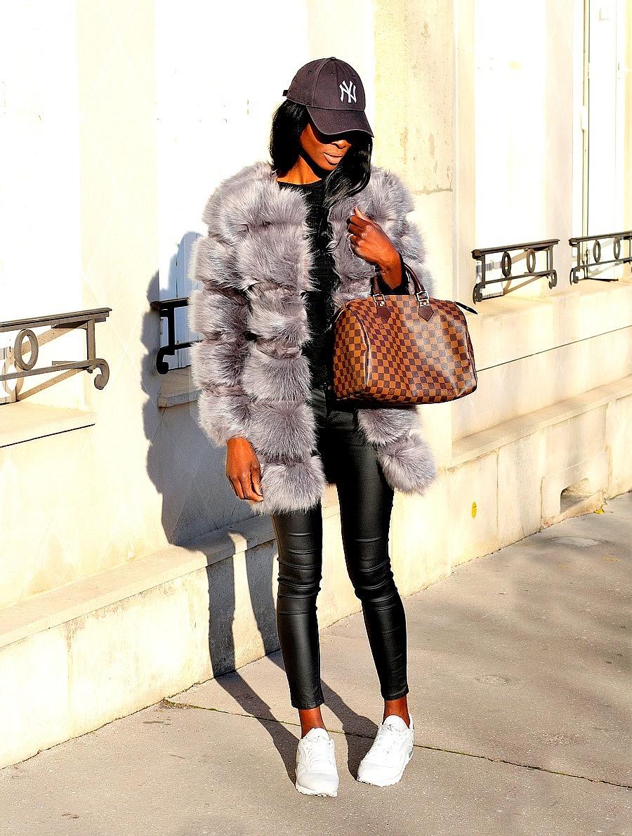 manteau-fausse-fourrure-gris-missguided-casquette-ny-sac-speedy-louis-vuitton