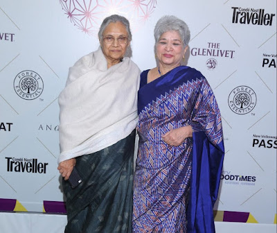 Sheila-Dixit-with-Lifetime-Achievement-Award-winner-Laila-Tyabji-at-Conde-Nast-Traveller-Readers-Travel-Awards-2017-e1512016315814