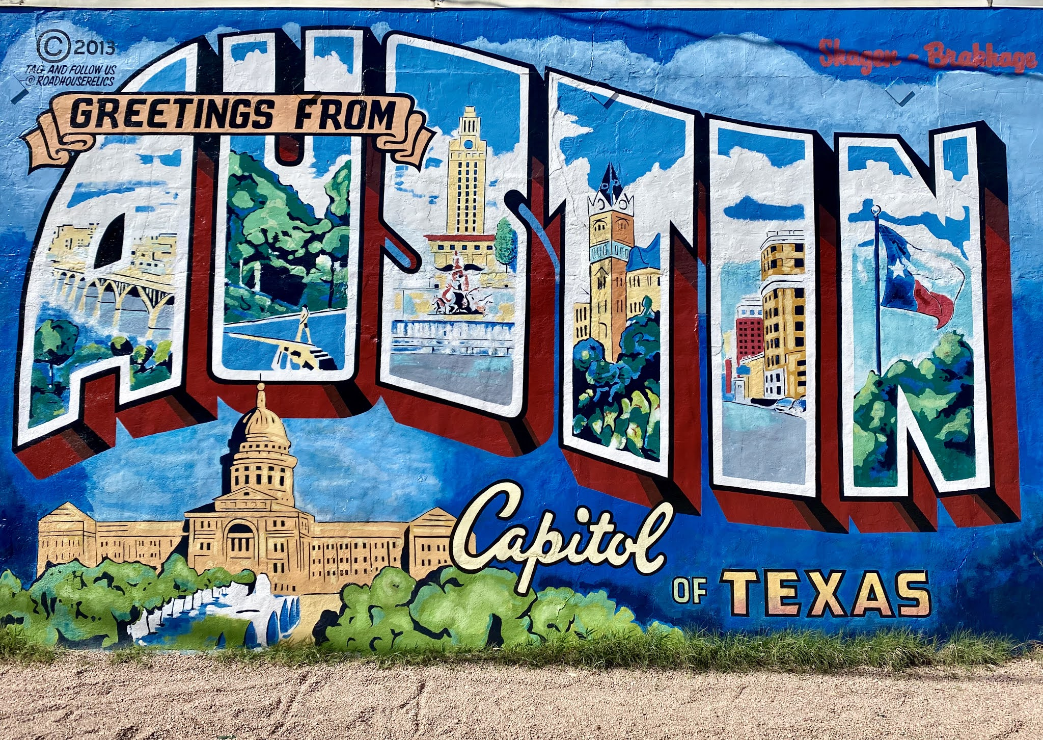 Greetings from Austin Mural | www.biblio-style.com