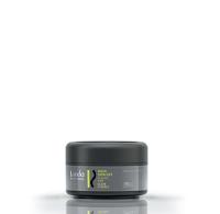 Воск для волос Spin off, разработанный специалистами немецкой компании Londa, представляет собой профессиональный классический воск для волос нормальной фиксации. Созданный на основе целого комплекса инновационных стайлинговых компонентов, воск Лонда придает волосам роскошную текстуру и ослепительный бриллиантовый блеск, позволяет варьировать стайлинг и прекрасно смывается водой. Компоненты-поглотители ультрафиолетовых лучей, входящие в состав воска, надежно защищают волосы от неблагоприятных воздействий окружающей среды.  Воск для волос нормальной фиксации Londa позволит воплотить в жизнь любую вашу стайлинговую задумку, придав волосам надежную эластичную фиксацию и подарив фантастический бриллиантовый блеск.  Применение: распределив необходимое количество воска Лонда в ладонях, нанесите его на сухие волосы.