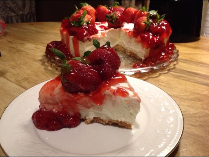 My Delicious Homemade Strawberry Cheesecake