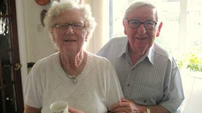 Pasangan Kakek Nenek yang Pelupa, pikun