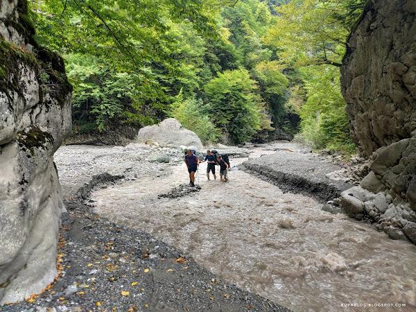 Переходим реку Ахохчай