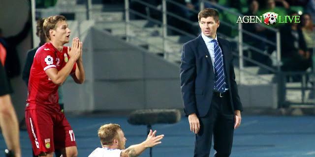 Steven Gerrard Tolak Tawaran Jadi Manajer Newcastle