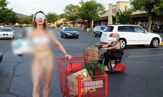 Phẫn nộ nghệ sĩ lấy khẩu trang làm bikini, áo bra phản cảm giữa tâm dịch Covid-19
