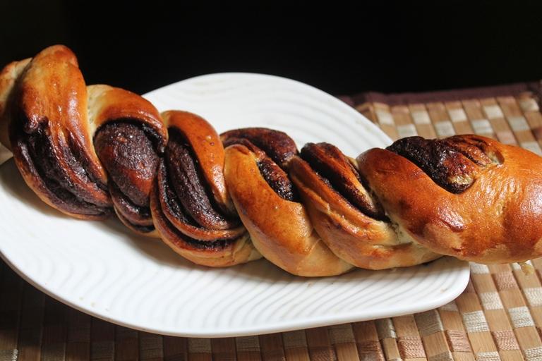 Nutella Braided Bread Recipe - Yummy Tummy