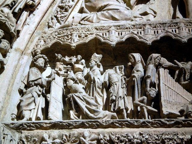 Puerta de la Virgen Blanca, la Catedral de León
