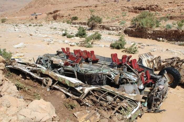 انتشال جثث 3 أشخاص آخرين من مخلفات فاجعة انقلاب حافلة نقل المسافرين بإقليم الرشيدية