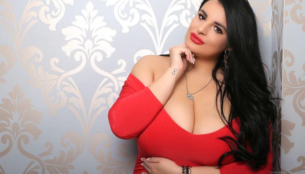 RueAzahara Model GlamourCams