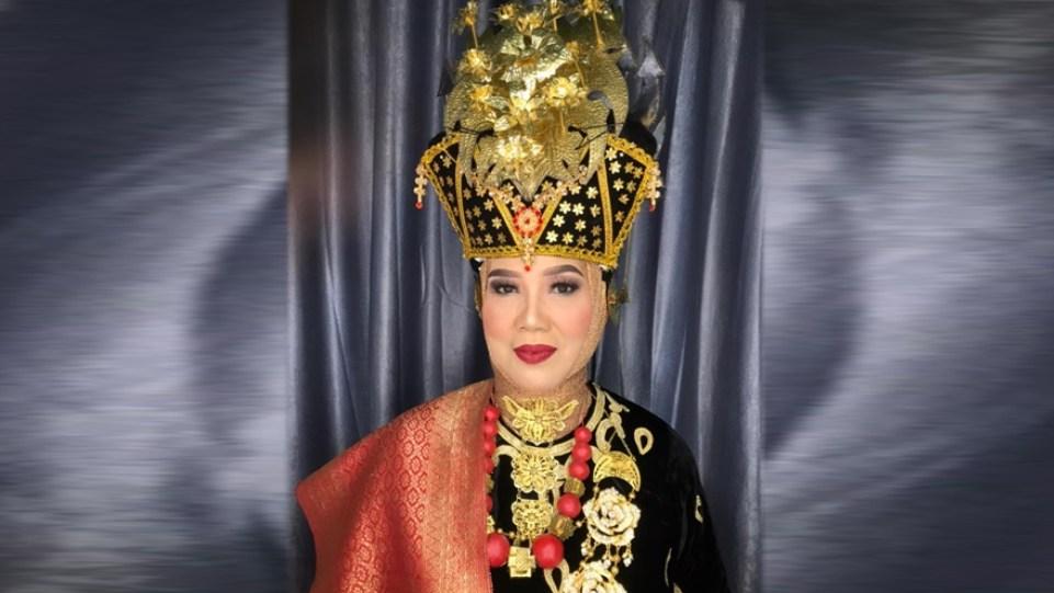 Dra. Zusneli Zubir, M.Hum., Ketua HWK Sumbar di Konser Minang Bersuara II. (Dok. Istimewa)