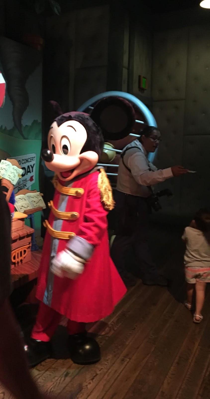 Meet Mickey Mouse in Toontown Disneyland
