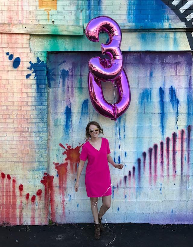 houston mural, turning 30, milestone birthday, 30th birthday balloons, austin blogger, texas blogger, houston blogger, fashion blog, jesse coulter blog