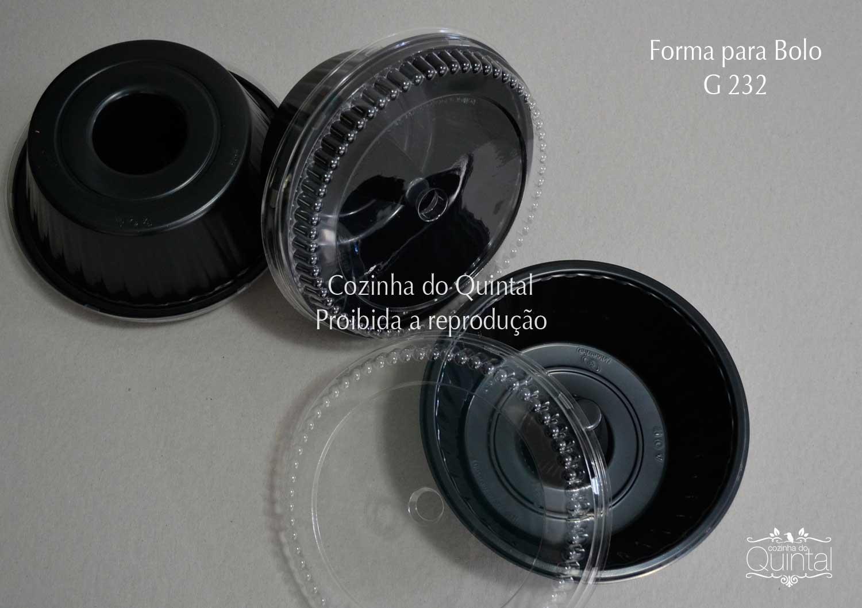 Forma para Bolo G 232, Bandeja Forneável G 240 e Forma para Pizza G 230 na Cozinha do Quintal