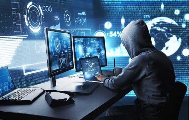 تعرض اكثر من (3.2) مليون جهاز كمبيوتر للاختراق بسبب برامج والعاب مكركة