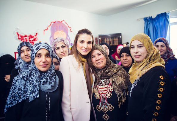 Queen Rania of Jordan while visited the IRC Women's Protection and Empowerment Center in Ramtha. Jewelery, Diamond Earrings, Diamon, gold rings, wedding dresses, newmyroyals, new my royals, new myroyal