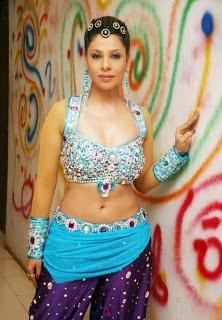 Bhojpuri-Actress-Stunning-Figure