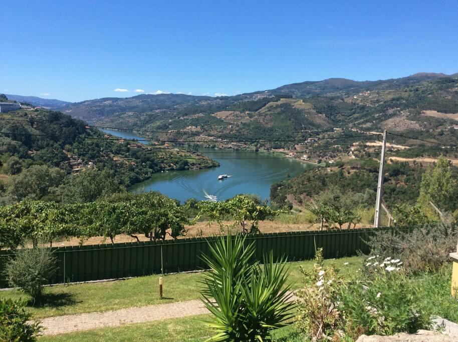 Вид на долину Дору, Португалия