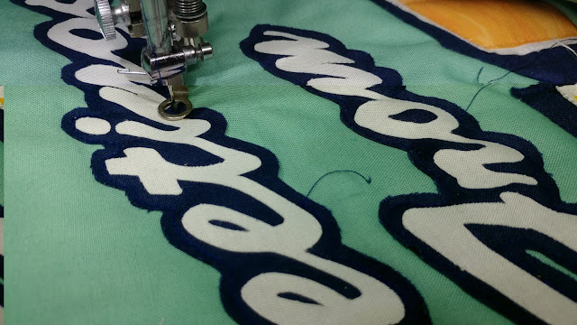 Raw edge applique using a free-motion foot