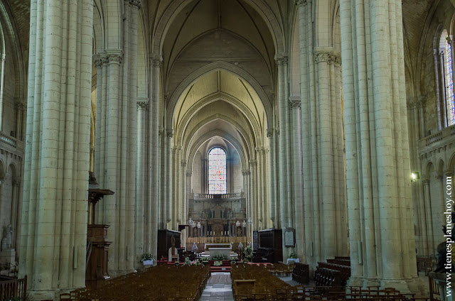 Catedral Poitiers viaje Francia turismo