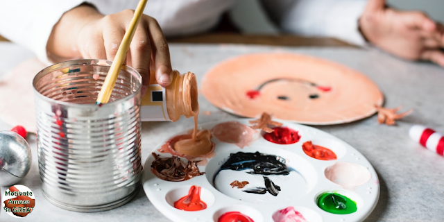 "Featured in the article: ""Art Therapy Benefits For Mental Health Improvement "". Represents a artwork where a woman expresses her emotions, by drawing a smiling face."
