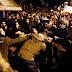 Προπηλακισμοί σε στελέχη του ΣΥΡΙΖΑ έξω από την αμερικανική πρεσβεία (Video)