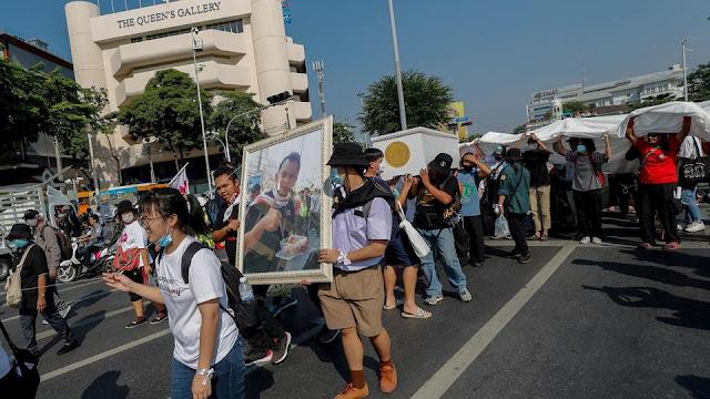 تواصلت الاحتجاجات المناهضة للحكومة في بانكوك في أعقاب التصويت على الإصلاح الدستوري