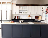 Cabinet in black with marble countertop