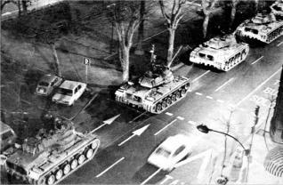 Los tanques por Valencia
