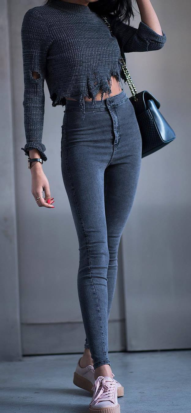 obsessed outfit: knit + skinny jeans + sneakers