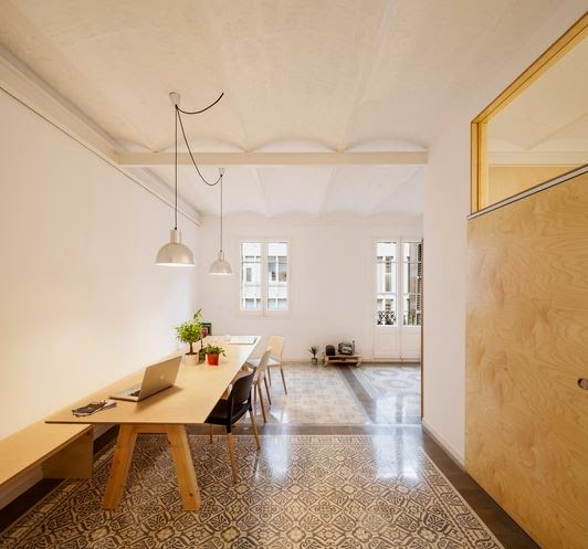 Marzua reforma de un piso en eixample de barcelona por for Decoracion piso eixample