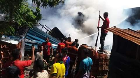 Tiga Unit Bangunan Rumah  Hangus Terbakar di Kel. Caile, Bulukumba