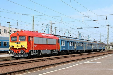 Vége a pótlóbuszozásnak, hamarosan újra járnak a személyvonatok Debrecen és Balmazújváros között
