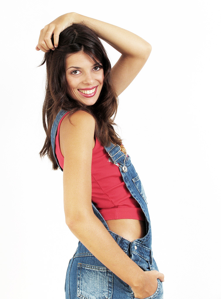 Topless girl man kartun