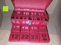 Schachteln Reihe: Adventskalender als piratige rustikale Schatztruhe - 24 einzelnen Schatzboxen - Ideal für den Advent