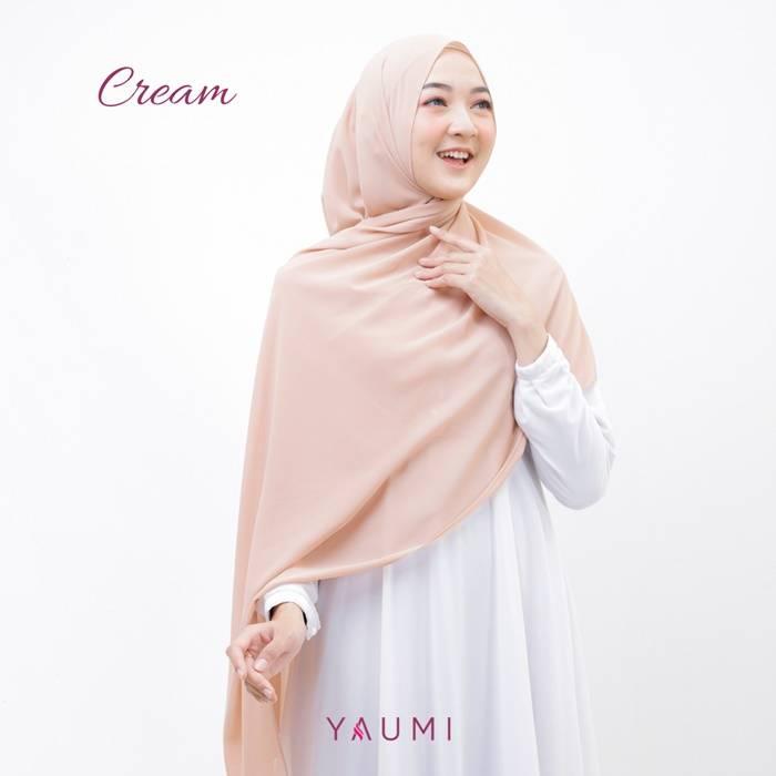 Yaumi Hijab Pashmina Cream