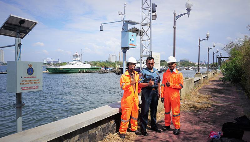 Uji Coba Weather Monitoring Station di Pantai Marina Jakarta