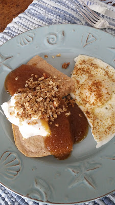 Whole Grain Baked Pancakes with Apple Sauce, Yogurt and Granola, creativity in the kitchen!
