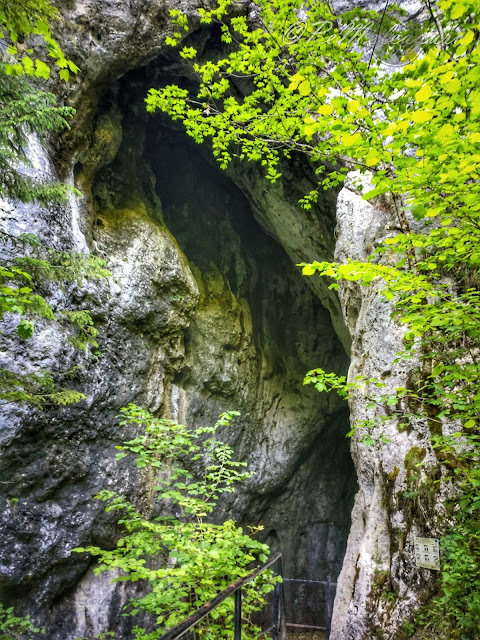 peștera poarta lui ionele