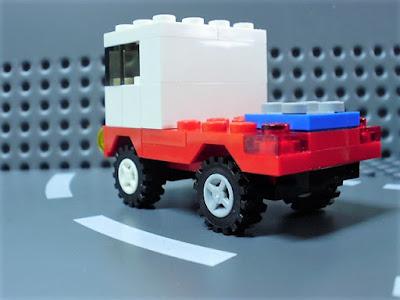 MOC LEGO Camião vermelho e branco