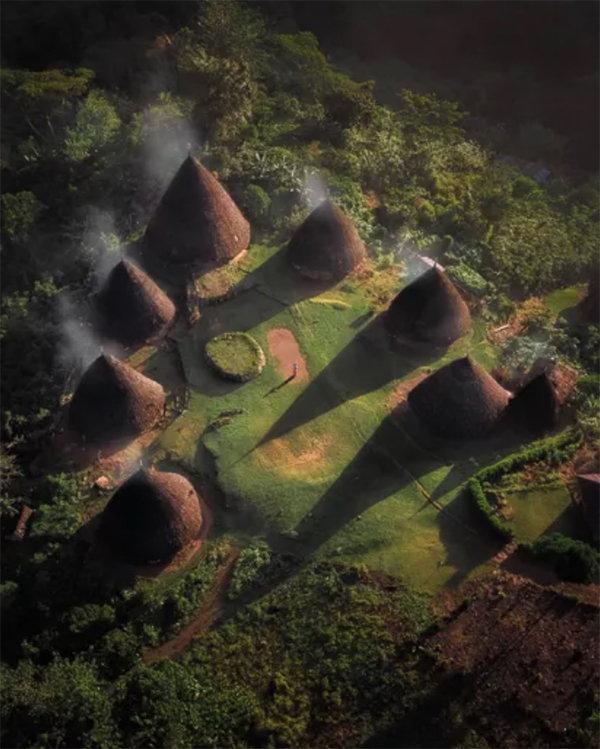 外日博村(Wae Rebo Village)