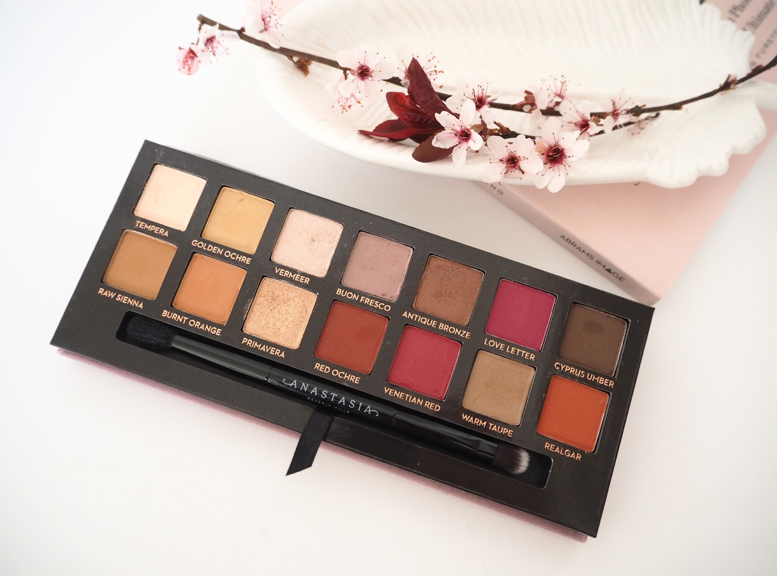 Loves List: March, Katie Kirk Loves, UK Blogger, Beauty Blogger, Lifestyle Blogger, Make Up Blogger, Skincare Blogger, Monthly Favourites, Beauty Review, Skincare Review, Anastasia Beverly Hills Modern Renaissance Palette, Cult Beauty, Make Up Look, Make Up Swatches