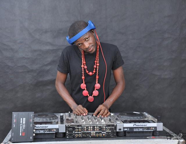 Dj Abadja ft. Dj Taba Mix - Pedras da cara (Afro Beat)