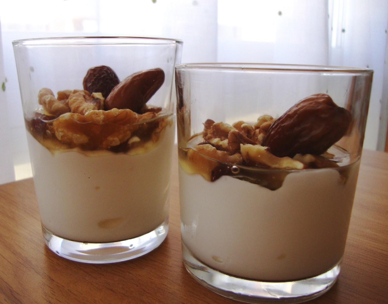 Yogur griego con frutos secos y miel cocinar en casa es for Facilisimo cocina postres