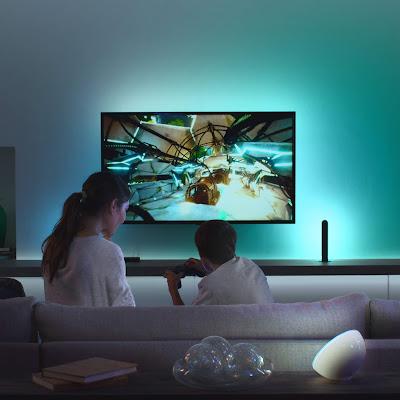 Prepare as pipocas! O entretenimento em casa vai ser levado para um novo nível com a Philips Hue Play HDMI Sync Box