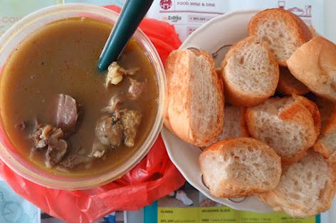 Al Dawood Kambing Soup, kambing soup bread