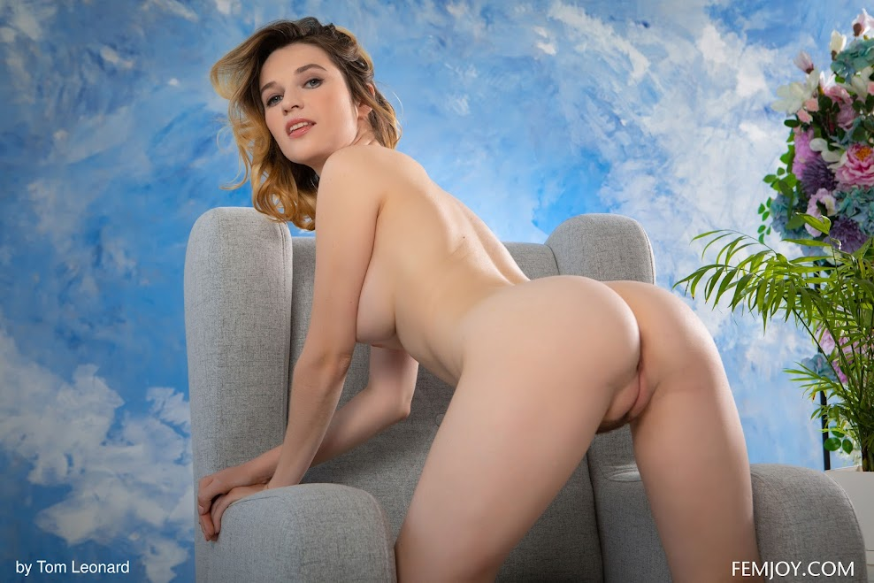 [Femjoy] Serena J - Inviting