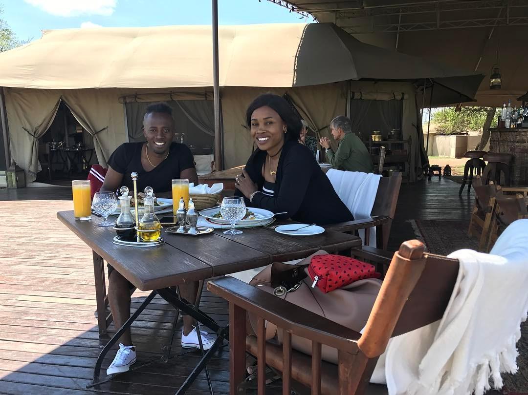 Hivi Ndivyo Joti na Mkewe Wanavyokula Raha Katika Fungate Yao