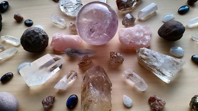 Khasiat batu Kristal